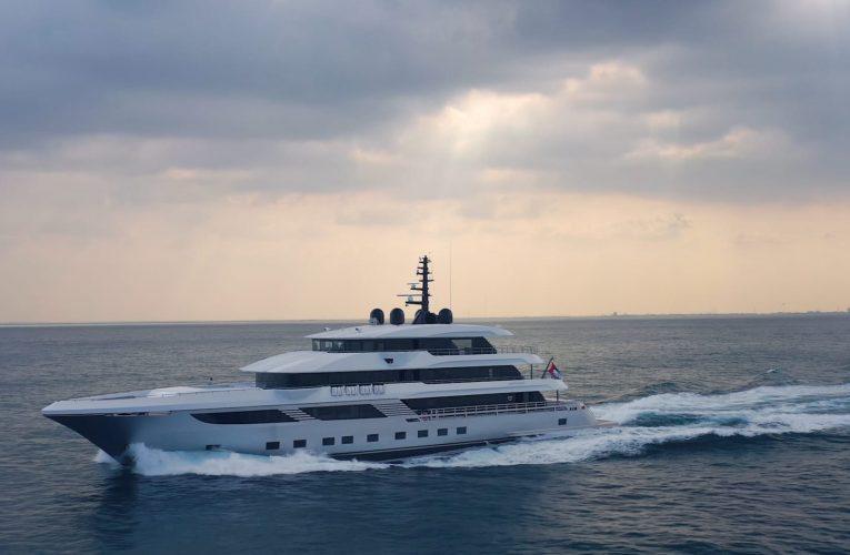 """الأكبر من نوعه في العالم.. هذا يخت """"ماجيستي 175"""" المصنوع كلياً في الإمارات"""