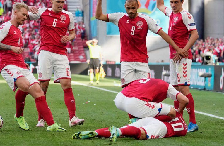 بالصور.. سقوط مفاجىء للاعب منتخب الدنمارك بالملعب خلال مباراة فنلندا في يورو 2020
